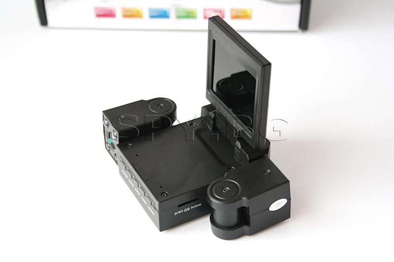 Видеорегистратор за автомобил с две камери
