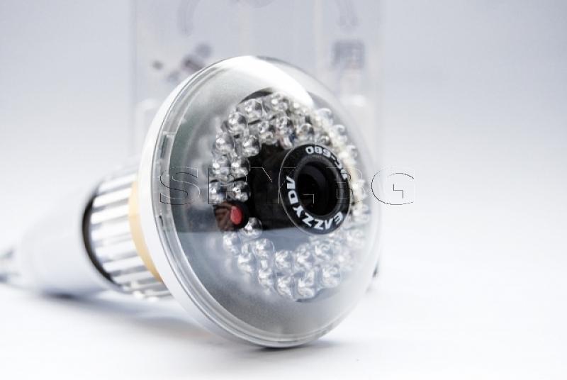 Камера в електрическа крушка детектор за движение