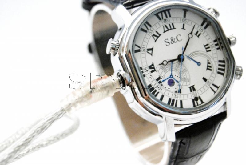 Камера в часовник с висока резолюция