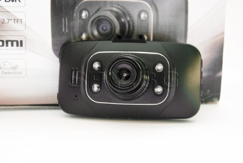 Видеорегистратор с 2.7 инчов дисплей