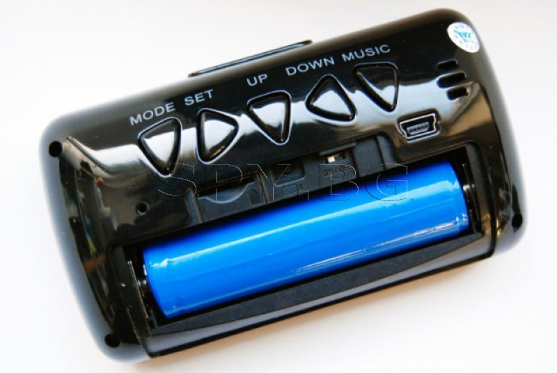 Камера в будилник с диоди за нощно виждане