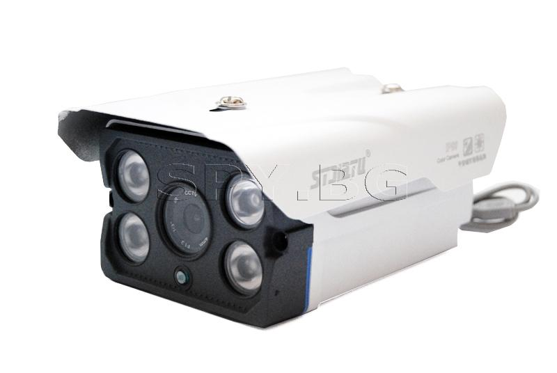 Камера с четири IR диода