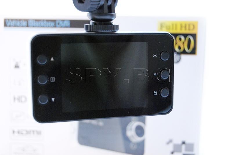 Видеорегистратор с 2.7 инча дисплей