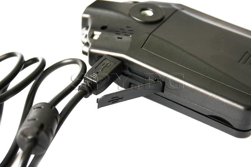 Видеорегистратор с дисплей и 4 резолюции