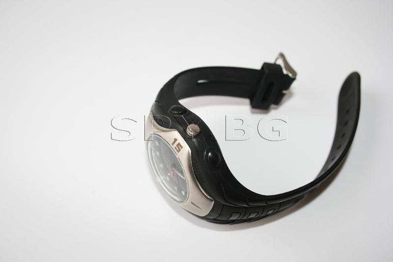 Комплект безжична камера в часовник и DVR